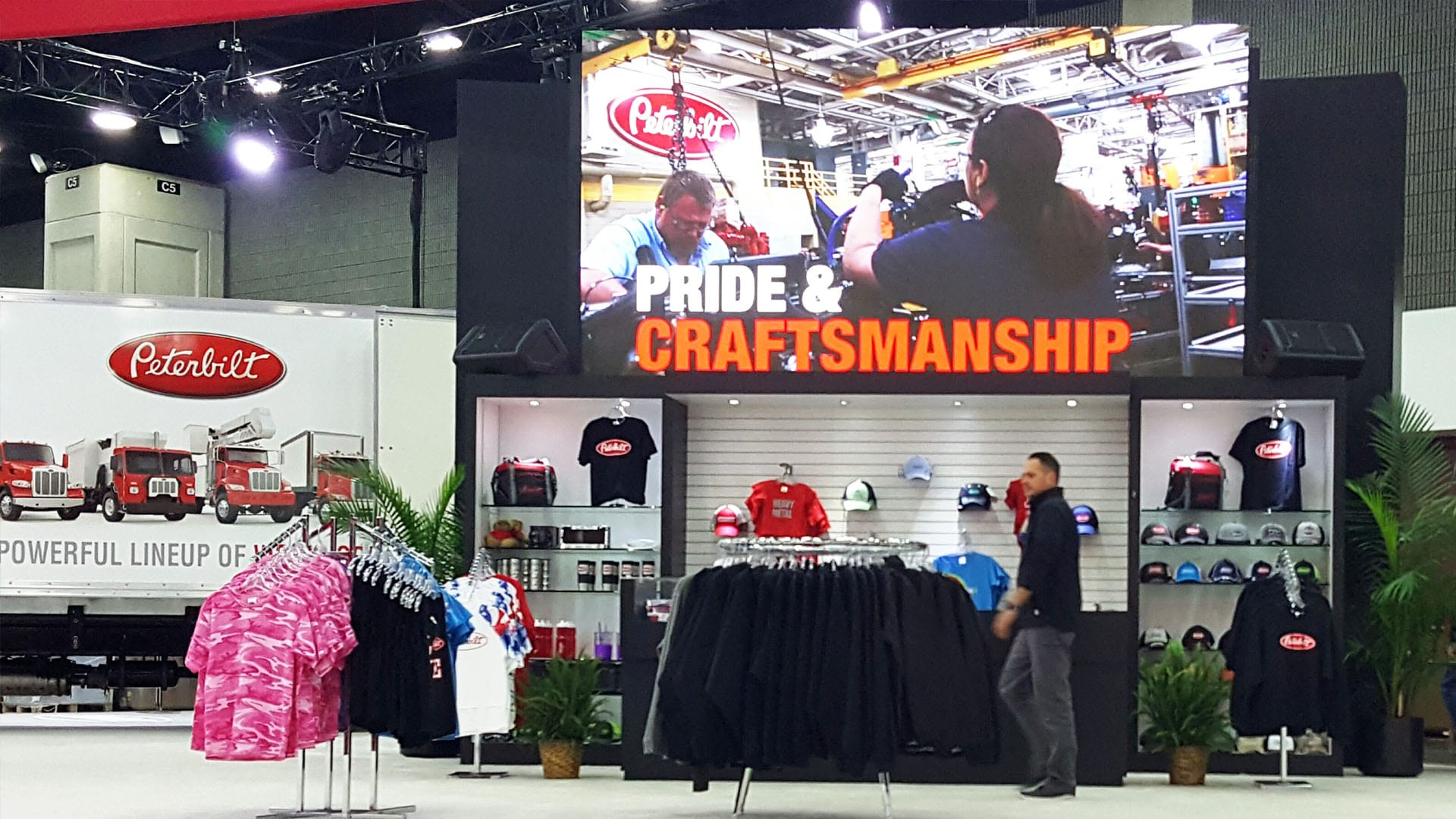 Neoti LED wall for Peterbilt at Mid America Truck Show