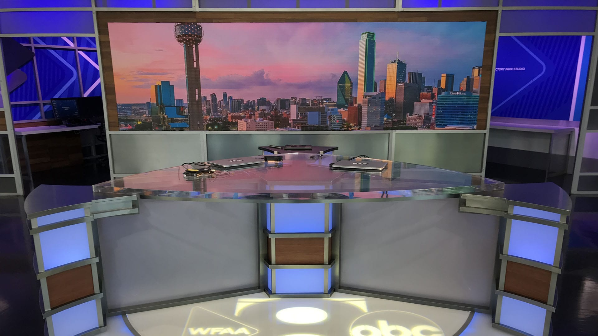 LED UHD video display in TV broadcast studio